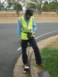 4. Aquascope 3 Bodenmikrofon im Einsatz, um Lecks unter der Straßenoberfläche zu lokalisierenPinpoint leaks under the road